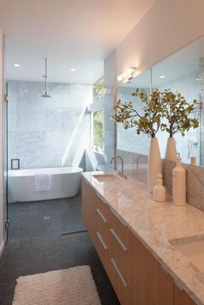 Esőztető zuhany a kádnál - fürdő / WC ötlet, modern stílusban
