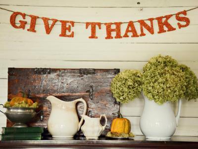 Tálalószekrény dekorálása ősszel - konyha / étkező ötlet, modern stílusban