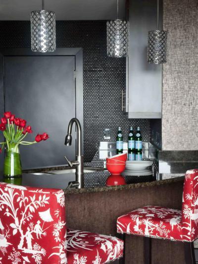Bár fekete-piros színekkel - belső továbbiak ötlet, modern stílusban