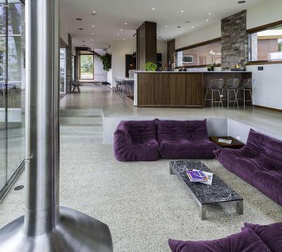 Nappali szintkülönbséggel - nappali ötlet, modern stílusban