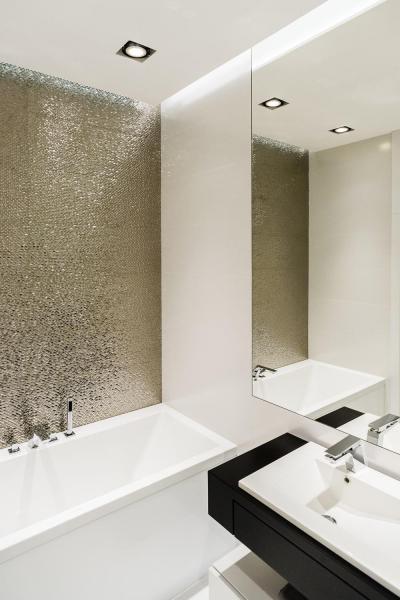 Tükrös mozaikcsempe - fürdő / WC ötlet, modern stílusban