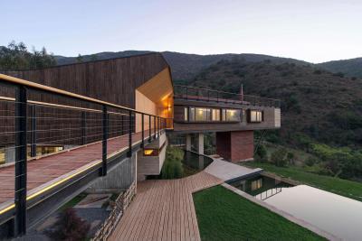 Minden fából - homlokzat ötlet, modern stílusban