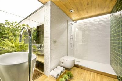 Szabadtéri fürdőszoba - fürdő / WC ötlet, modern stílusban