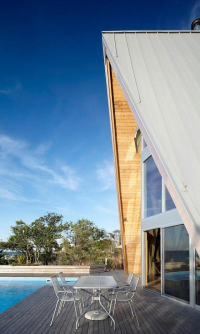 Látványos lakóház - tető ötlet, modern stílusban