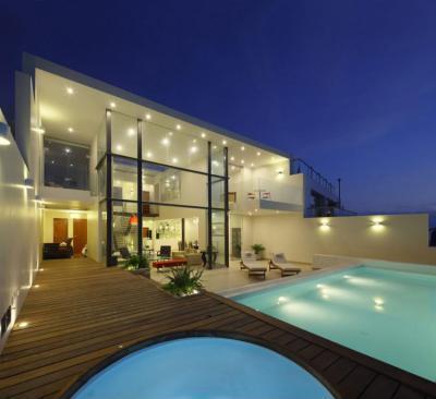 Luxus a lakóházban - homlokzat ötlet, modern stílusban