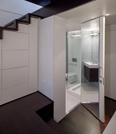 Fürdőszoba a lépcső alatt - belső továbbiak ötlet, modern stílusban