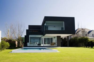 Fekete homlokzat - homlokzat ötlet, modern stílusban