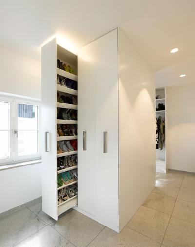 Helytakarékos gardrób - belső továbbiak ötlet, modern stílusban