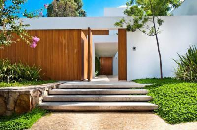 Kerítés kapuval - kerítés ötlet, modern stílusban