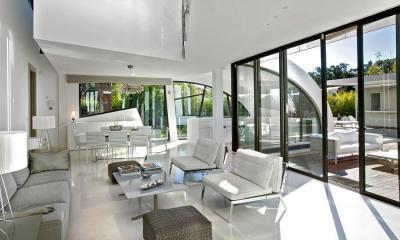 Fehér nappali - nappali ötlet, modern stílusban