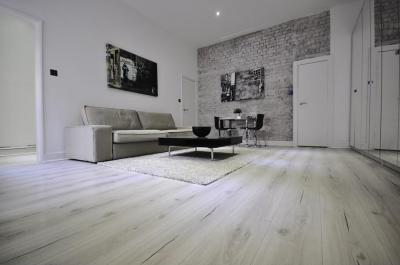 Halvány szürke nappali - nappali ötlet, modern stílusban
