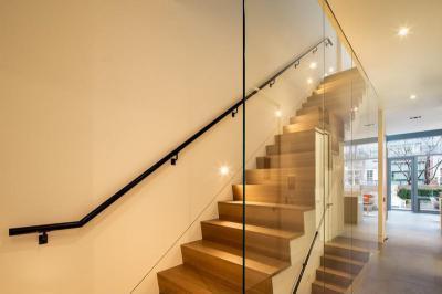 Beltéri lépcső - belső továbbiak ötlet, modern stílusban