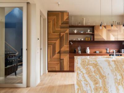 Fa és márvány - konyha / étkező ötlet, modern stílusban