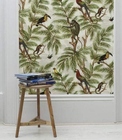 Dzsungel-mintás tapéta - nappali ötlet