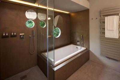 Hajóablak a fürdőben - fürdő / WC ötlet, modern stílusban