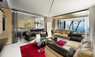 Piros szőnyeg a nappaliban - nappali ötlet, modern stílusban