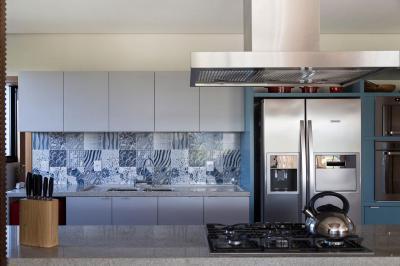 Modern konyha dekoratív csempével - konyha / étkező ötlet, modern stílusban