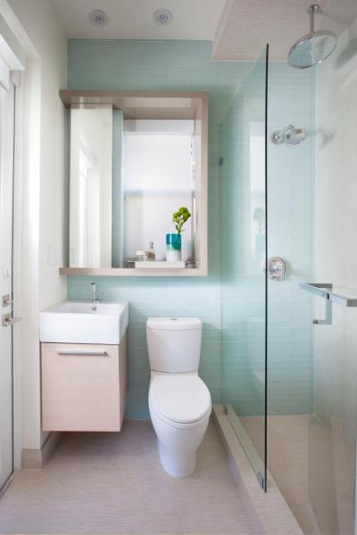 Vízkék csempe - fürdő / WC ötlet, modern stílusban