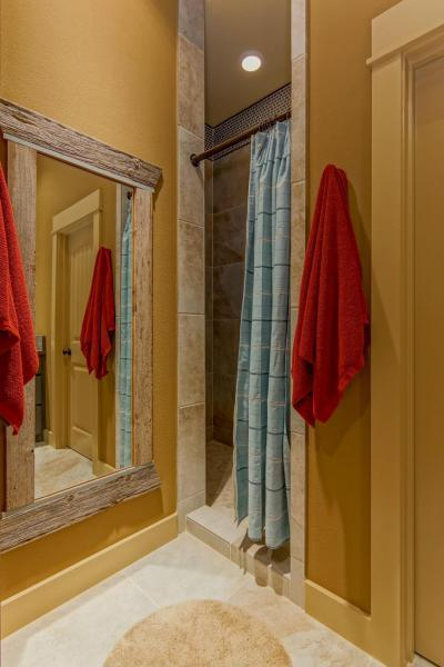 Ódon fa tükörkeret - fürdő / WC ötlet, rusztikus stílusban