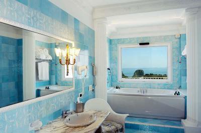 Kék fürdőszoba - fürdő / WC ötlet, klasszikus stílusban