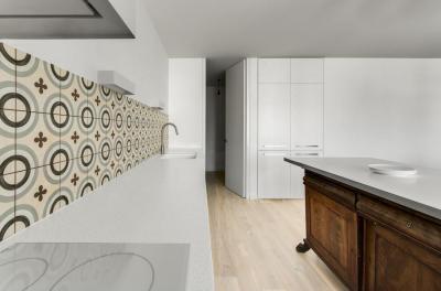 Konyha látványos részletekkel - konyha / étkező ötlet, modern stílusban