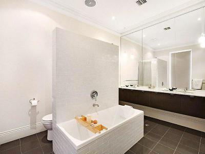 Gyönyörű fürdőszoba46 - fürdő / WC ötlet, modern stílusban