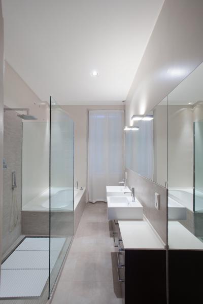 Keskeny fürdőszoba // HOMEINFO.hu - Inspirációtár