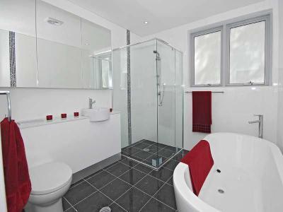 Fürdőkád kavalkád16 - fürdő / WC ötlet, minimál stílusban