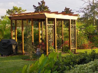 Kert pergolával - kert / udvar ötlet, mediterrán stílusban