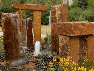 Mini stonehenge - kert / udvar ötlet, klasszikus stílusban