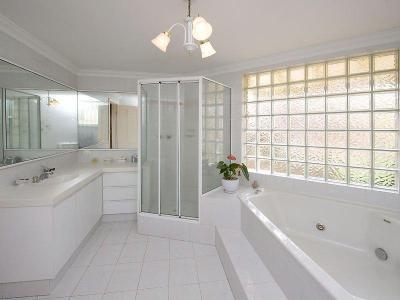 Fürdőkád kavalkád16 - fürdő / WC ötlet, modern stílusban