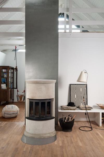 Látványos nappali a tető alatt - tetőtér ötlet