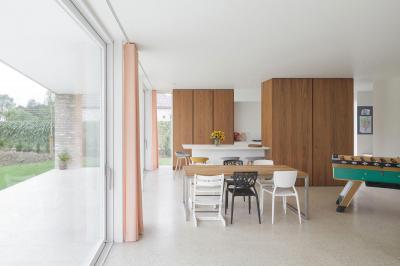 Étkező többféle székkel - konyha / étkező ötlet, modern stílusban