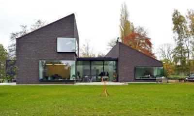 Tégla és üveg homlokzat - homlokzat ötlet, modern stílusban