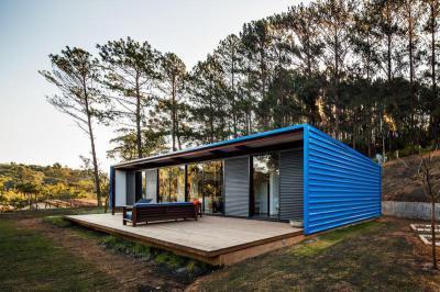 Földszintes ház - homlokzat ötlet, modern stílusban