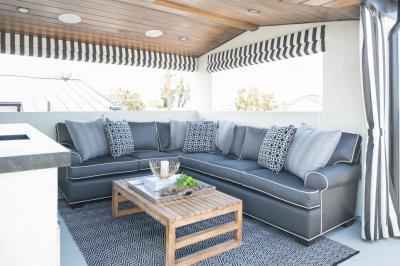 Terasz kanapéval - erkély / terasz ötlet, modern stílusban