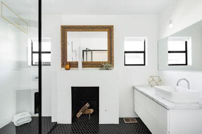 Kandalló a fürdőstobában - fürdő / WC ötlet, modern stílusban