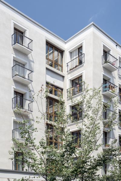 Társasház erkéllyel - homlokzat ötlet, modern stílusban