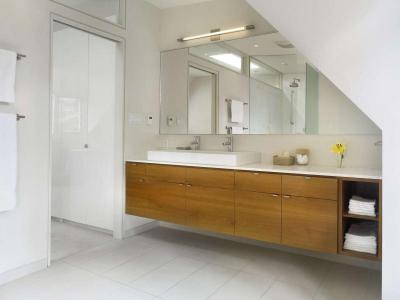 Látványos mosdószekrény - fürdő / WC ötlet, modern stílusban