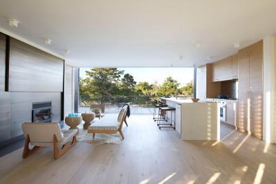 Konyha és nappali terasszal - nappali ötlet, modern stílusban