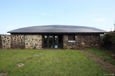 Terméskő ház - homlokzat ötlet, rusztikus stílusban