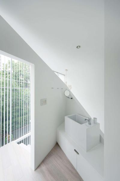 Sarokba épített mosdó - fürdő / WC ötlet, modern stílusban