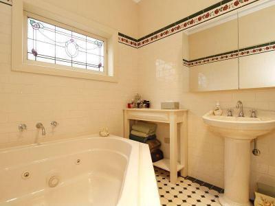 Fürdőszobák17 - fürdő / WC ötlet, klasszikus stílusban