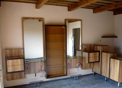 Egyedi tároló rendszer - belső továbbiak ötlet, modern stílusban