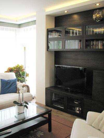 Fekete fehér színek a nappaliban - nappali ötlet, modern stílusban