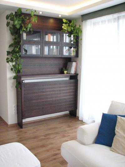 Radiátort fedő parapet - nappali ötlet, modern stílusban