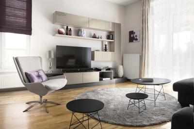 Modern nappali szürke és fekete bútorokkal - nappali ötlet, modern stílusban