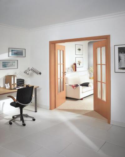 Duplaszárnyú ajtó két helyiség között - dolgozószoba ötlet, modern stílusban