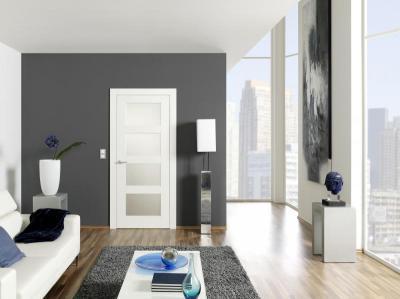 Üvegbetétes beltéri ajtó fehér színben - nappali ötlet, modern stílusban