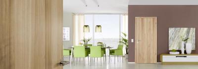 Fa beltéri ajtó látványos felülettel - nappali ötlet, modern stílusban